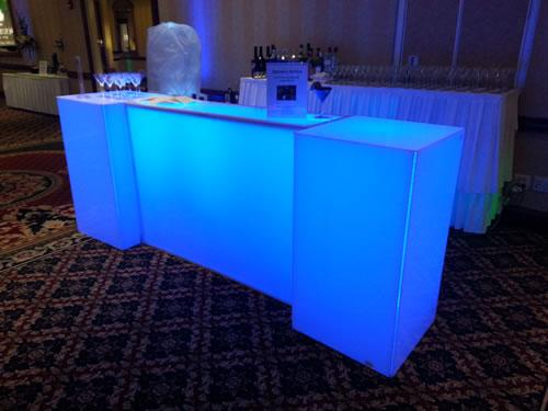 rent-acrylic-white-bar-rental-chicago