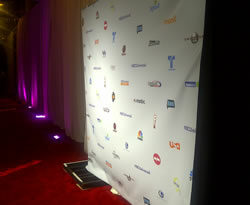 rent_red_carpet_chicago_milwaukee_step_and_repeat_vinyl_logo