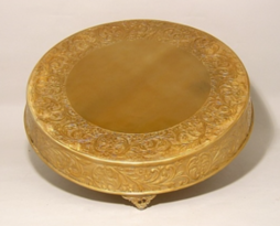"gold-round-cake-plateau-21""plate-rent-chicago"